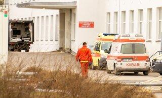 В Эстонии коронавирусом заразились 102 медика. После смерти коллеги персоналу Курессаареской больницы нужна психологическая помощь