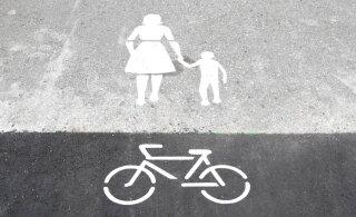 Крик души читательницы Delfi: нас с сыном на тротуаре чуть не сбил электросамокат!