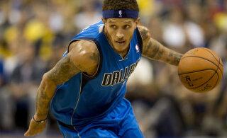 FOTOD | Julm allakäiguspiraal: miljoneid teeninud NBA ekskorvpallur kerjab tänaval raha