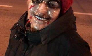 ВИДЕО | Напугаем коронавирус! Бабушка из Мустамяэ защищает себя самой страшной маской