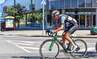 ФОТО: Звезда эстонского велоспорта неудачно упал и сломал ключицу