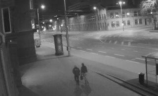 ВИДЕО | Полиция ищет молодых людей, испортивших стену жилого дома в Таллинне