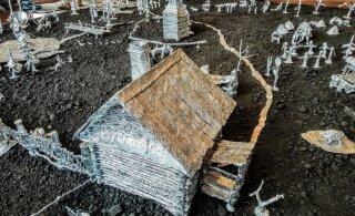 MAALEHT SIBERIS | Vaata, kuidas ehitada tavalisest köögifooliumist üles terve seto küla koos tarede, tsässona ja rahvaga