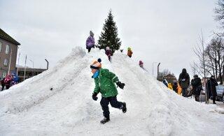 ГАЛЕРЕЯ | Смотрите, какие замечательные снежные фигуры слепили дети на городской площади