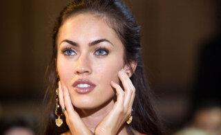 KLÕPS | Tõelised iludused: Megan Fox jagas haruldast perepilti oma kolmest lapsest