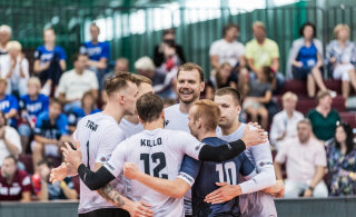 BLOGI JA FOTOD | Võit! Õnnestunud vahetused aitasid Eesti võrkpallikoondise Läti vastu ree peale tagasi