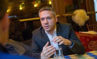 Коробейник получит компенсацию от Рийгикогу в 21 000 евро, но себе эти деньги не оставит