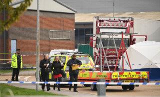 ВИДЕО | В Англии в грузовике нашли 39 трупов