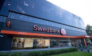 Два бывших работника Swedbank признаны подозреваемыми в отмывании денег
