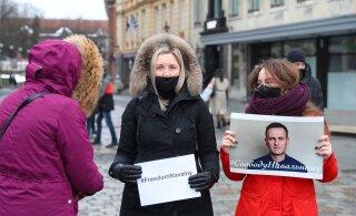 FOTOD | Vabaduse väljakul avaldatakse meelt Vene opositsiooniliider Navalnõi toetuseks