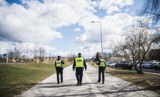 FOTOREPORTAAŽ | Karantiinipolitsei. Vaata, kuidas sujus Tartu korravalvurite kontrolltiir