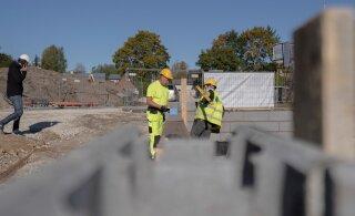 Palgakasv hoiab ehitushinnad tõusutrendis, tootmine muutub aga üha odavamaks