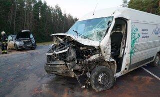 ФОТО И ВИДЕО: В аварии на Пярнуском шоссе пострадал ребенок
