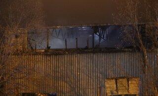 ФОТО | В Маарду загорелся склад, пострадал один человек