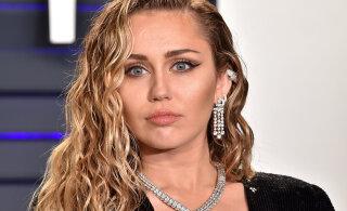 KUUM KLÕPS | Jälle paljas! Miley Cyrus poseerib taas kord täiesti alasti