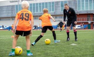 Eestis viibiv 1988. aasta jalgpalli Euroopa meister: parimad treenerid peavad töötama lastega