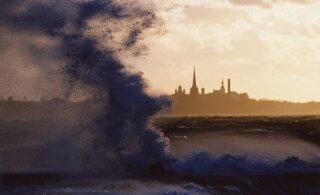 Синоптик: штормовой ветер начнет ослабевать только после полуночи