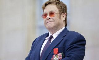 Elton John oma paar aastat tagasi lahkunud emast: ma olen õnnelik, et see sotsiopaat lastega ei kohtunud