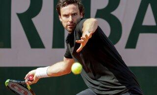 DELFI PARIISIS | Kohtunikuga sõdinud Läti tennisetäht: kas ma pean sulle maksma, et sa selle eest hoolt kannaksid!?