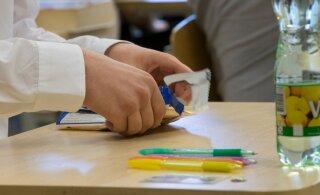 Abituriendid on teadmatuses - riigieksami tulemused ei ole teada isegi lõpuaktusel