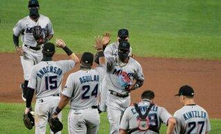 Ameerika absurd: meeskonnad on koroonaviirust täis, aga pesapallihooaeg jätkub
