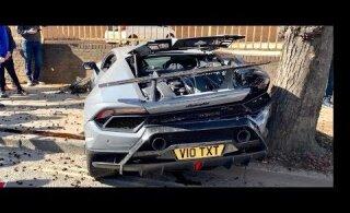 VIDEO | Valus vaadata! Juht sõitis Lamborghini Huracani täiesti sirgel teel puruks
