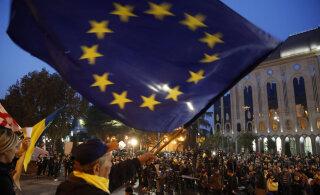 Новая волна протестов в Тбилиси: митингующие устанавливают у парламента палатки