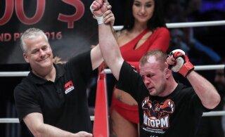 ВИДЕО: Шлеменко задушил американца в концовке первого раунда