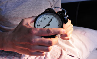 Üleminek talveajale: arst annab nõu, kuidas kella keeramise järel unega toime tulla