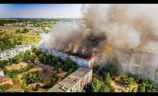 ВИДЕО | Украинец поссорился с женой, поджег квартиру и спровоцировал масштабный пожар в пятиэтажке