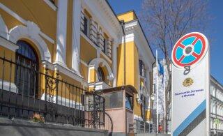 Eesti saatkond Moskvas on nagu vene hing: väljast rõõmus ja särav, seest pinges ja ettevaatlik