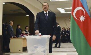 ЕС призвал расследовать применение силы и задержания на митинге в Баку