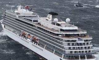 ВИДЕО: С терпящего бедствие норвежского судна Viking Sky эвакуированы почти 400 человек. Восстановлена работа двигателей