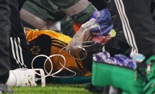 FOTOD | Teadvuse kaotanud Wolverhamptoni staar sai haiglas pildi ette