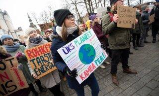 Noorte kliimastreigi korraldajad saatsid EKREIKE juhtidele pöördumise: riigijuhid, kas kavatsete kliimakriisi lihtsalt pealt vaadata ning tulevased põlved hooleta jätta?