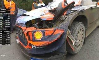 VIDEO | Breen keeras Walesi rallil Hyundai mitu korda üle katuse