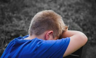 KUULA | Tõde meie laste kurbuse kohta tuleb välja Lasteabi telefonikõnedes