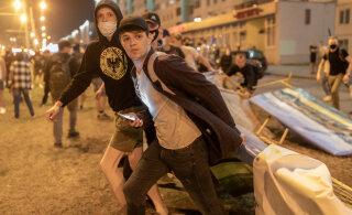 ОНЛАЙН-БЛОГ | Третий день протестов в Беларуси: в центре Минска вновь задержания. Протестующие блокируют улицы