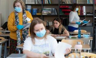 FOTOD | Abituriendid teevad eesti keele riigieksamit