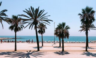 Испания вводит карантин для въезжающих из 10 стран
