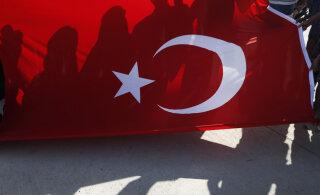 Полиция усилила охрану у турецкого посольства в Таллинне