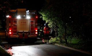 ФОТО | В Мустамяэ в квартире жилого дома произошел пожар, пострадали двое