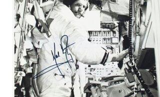Unikaalsed Apollo 11 mälestusesemed pandi Kuule jõudmise 50.aastapäeva puhul oksjonile