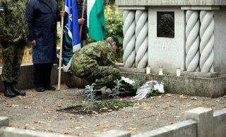 Reedel tähistati Raadi kalmistul Julius Kuperjanovi 125. sünniaastapäeva