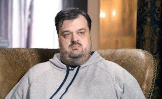 Василий Уткин, отвечая на неудобный вопрос, назвал себя асексуалом