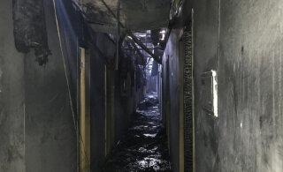 Девять человек погибли при пожаре в гостинице Одессы. Зеленский пообещал лично следить за наказанием виновных