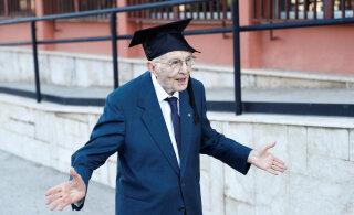 ВИДЕО | Вот это да! Итальянец окончил университет в 96 лет