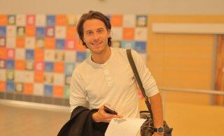 FOTOD | Mis ebaõnn! Victor Crone jõudis Eurovisionilt tagasi Tallinna, ent pagas läks kaduma. Lisaks kaotas eurolaulik rahakoti