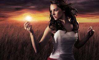 Too oma jõud praegusesse hetke   Hoides oma tunded ja mõtted minevikus, suunad ka oma eluenergia sinna