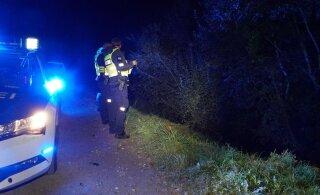 ФОТО | В Рапламаа произошла тяжелая авария: водитель вылетел из машины и погиб